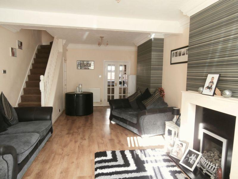 3 Bedrooms Terraced House for sale in Camden Street, Hull