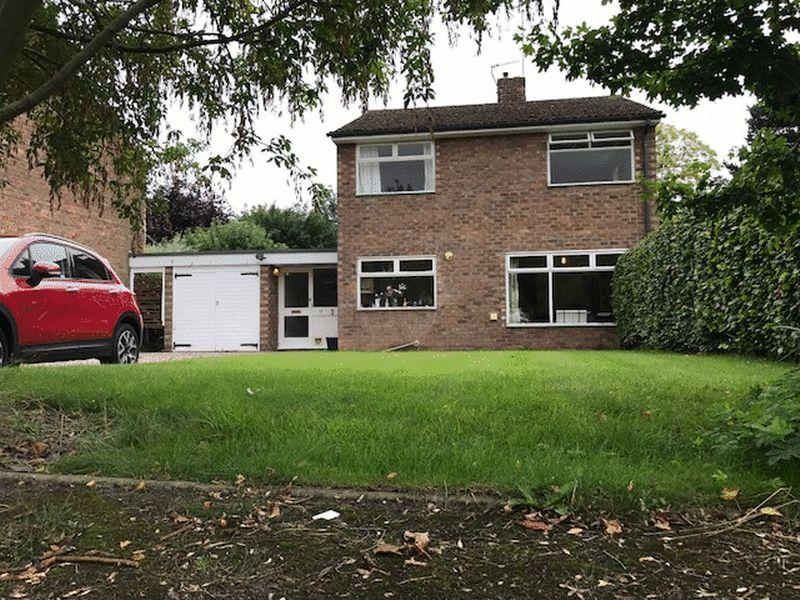 4 Bedrooms Detached House for sale in Ambleside Court, Congleton