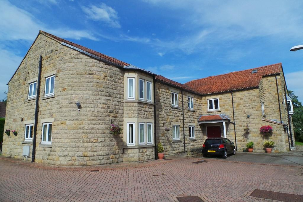 1 Bedroom Flat for sale in 7 Smithy Court, Collingham, LS22 5LU