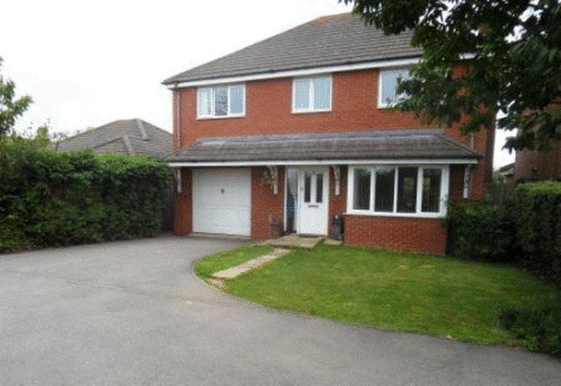 4 Bedrooms Detached House for sale in Royal Gardens, Kettering