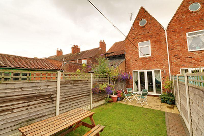 3 Bedrooms Terraced House for sale in 61 Far Ings Road, Barton-upon-Humber