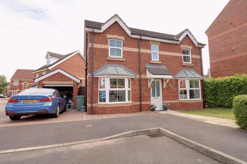 3 Bedrooms Detached House for sale in Birch Drive, Scunthorpe