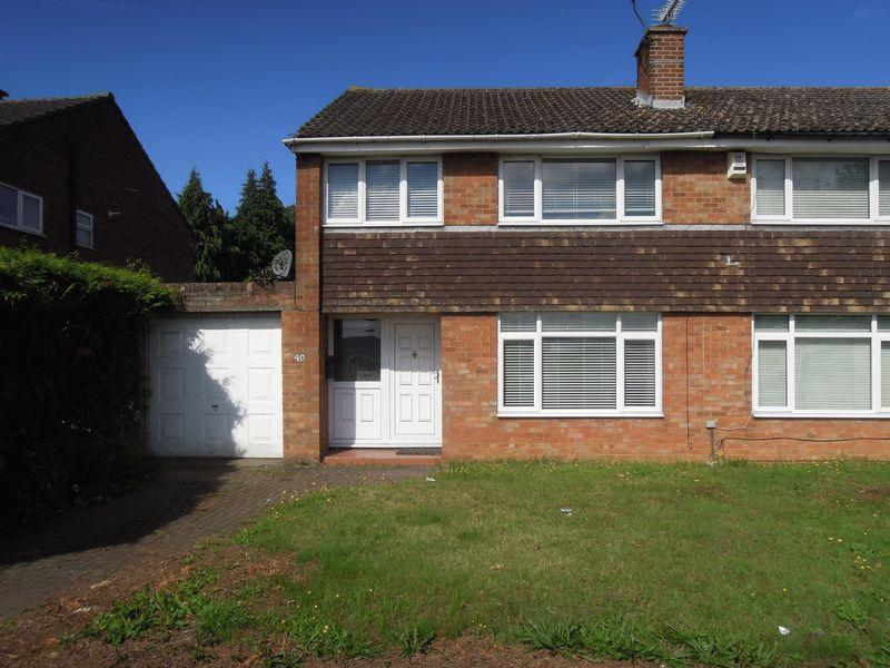 3 Bedrooms Semi Detached House for sale in Market Lane, Langley.