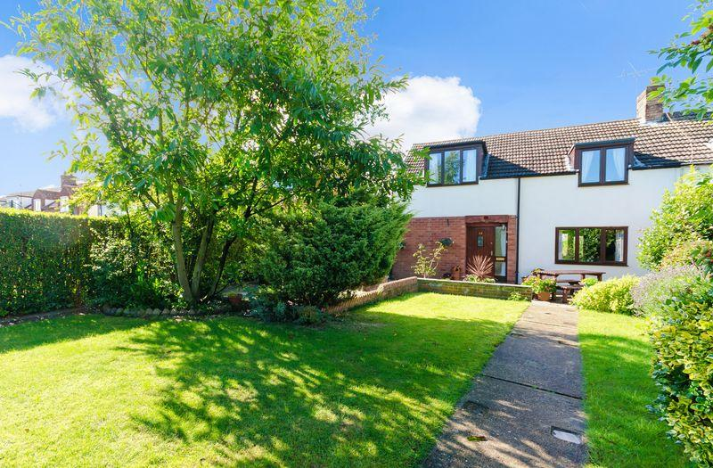 4 Bedrooms Semi Detached House for sale in 30 High Street, Cherry Willingham, Lincoln