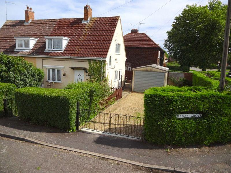 2 Bedrooms Semi Detached House for sale in Faraday Grove, Corby