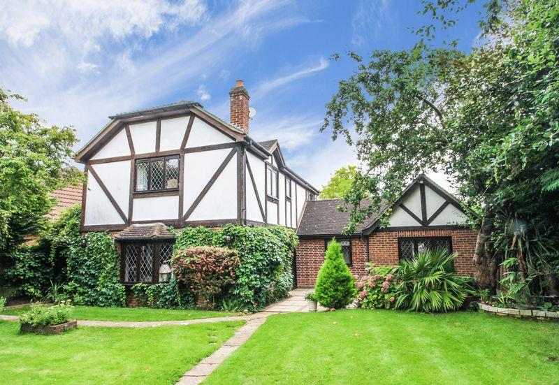 4 Bedrooms Detached House for sale in Highfield Lane, Maidenhead