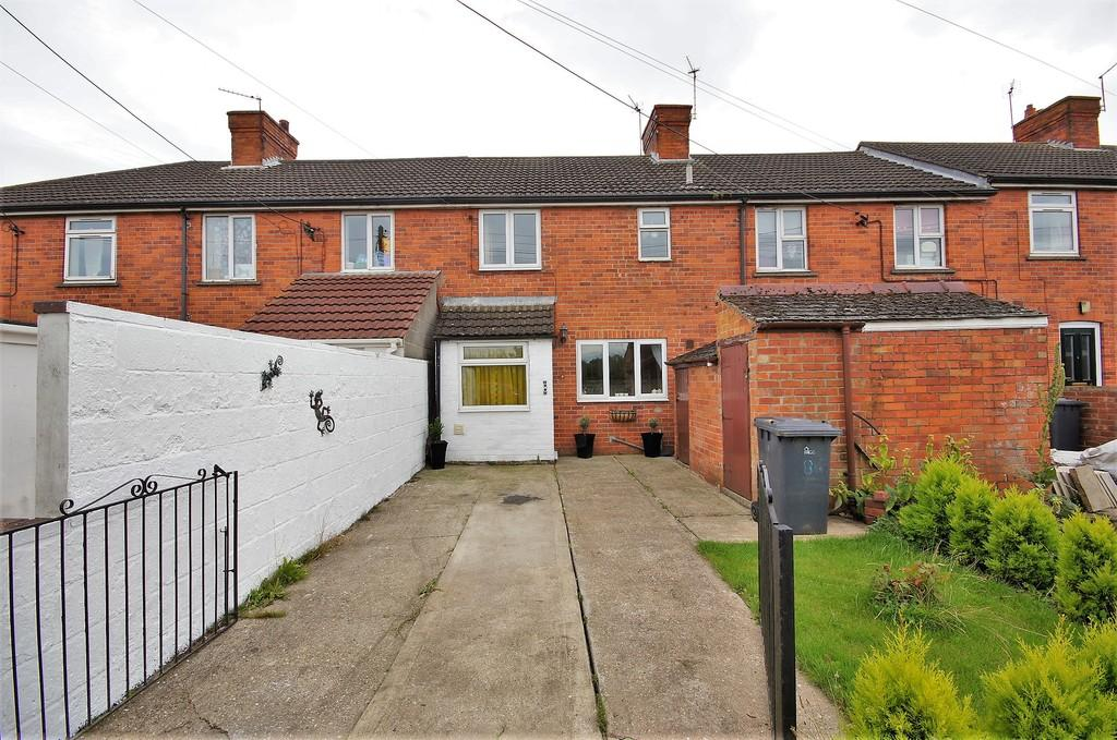 3 Bedrooms Terraced House for sale in Green Man Road, Navenby, Lincoln