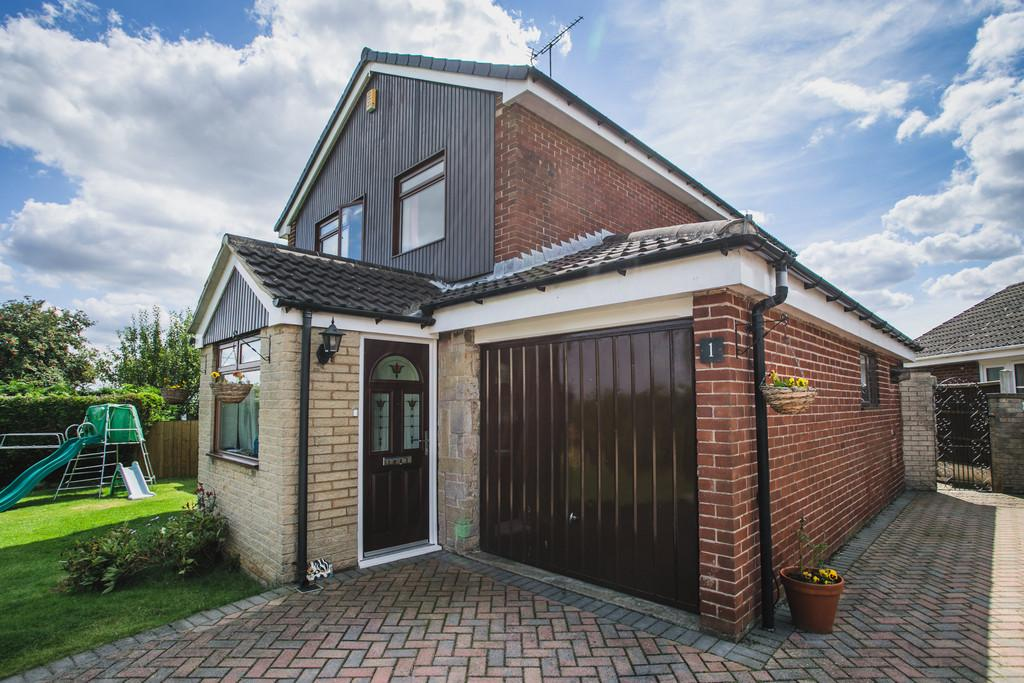 3 Bedrooms Detached House for sale in Brandsmere Drive, Woodsetts