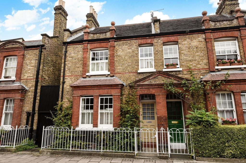 3 Bedrooms Semi Detached House for sale in Courtenay Street, SE11