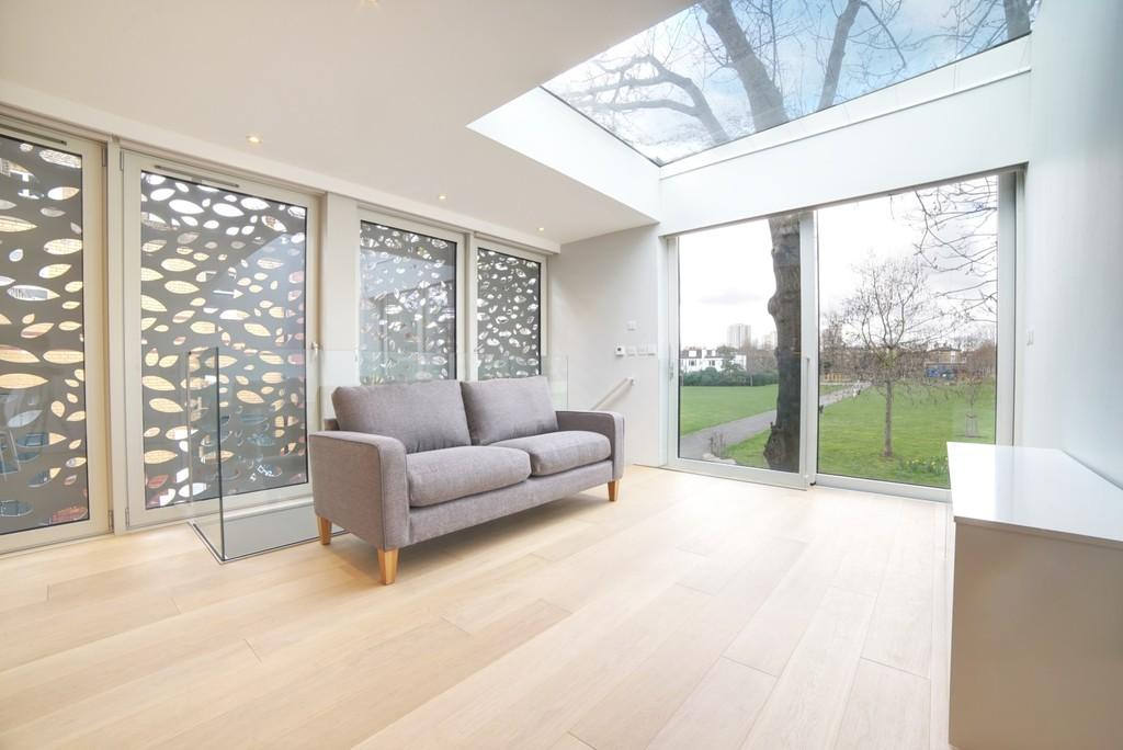 2 Bedrooms Detached House for sale in Ingleton Street, SW9