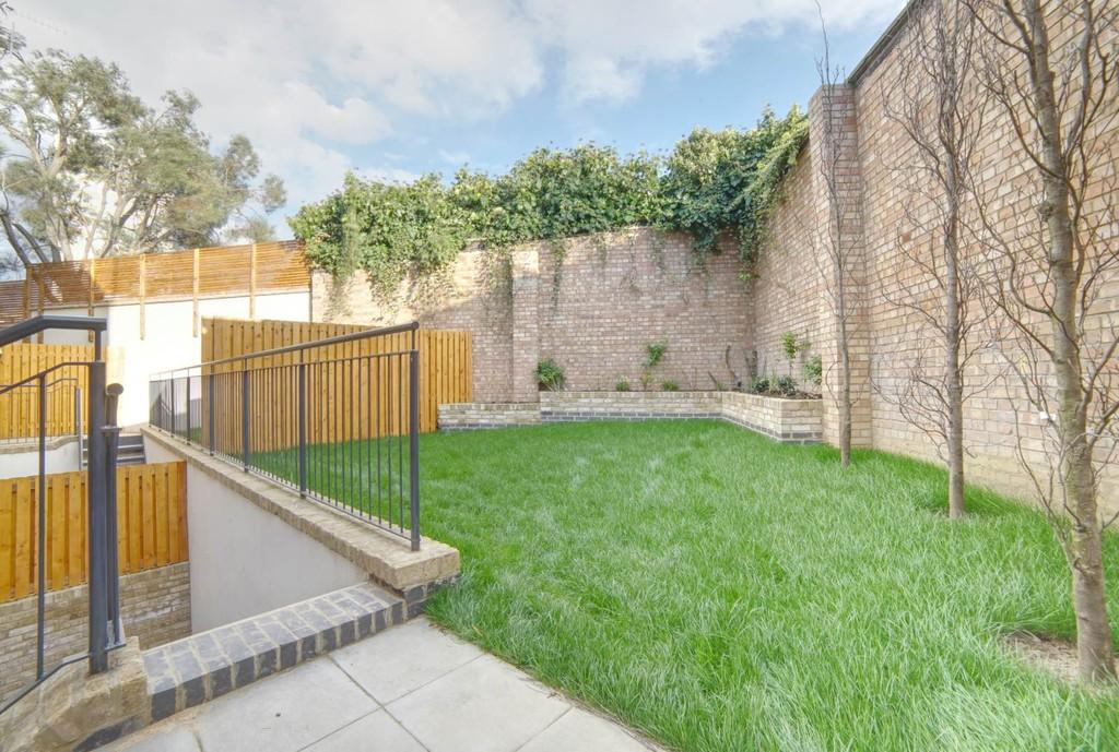 3 Bedrooms Detached House for sale in Paragon Mews, Meadow Road, SW8