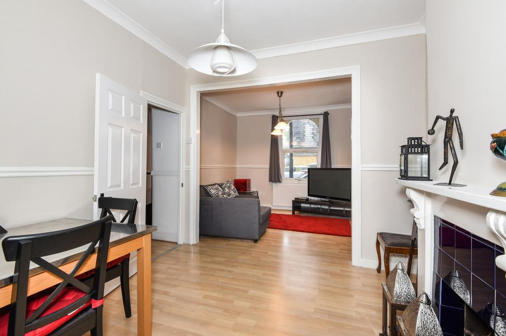 3 Bedrooms Terraced House for sale in Lynton Road, SE1