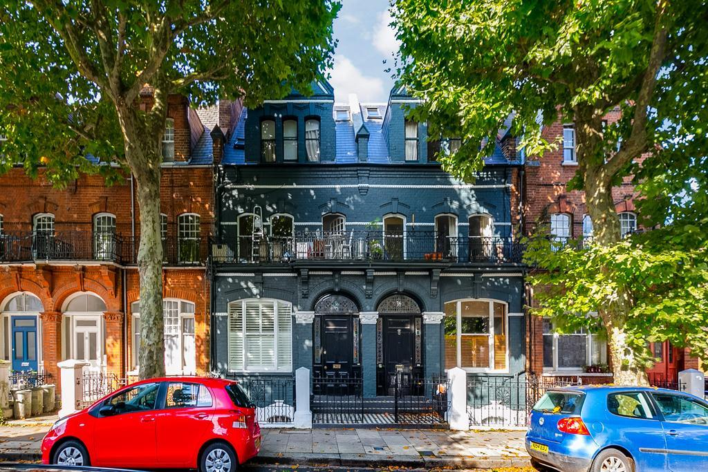 2 Bedrooms Flat for sale in Vereker Road, London
