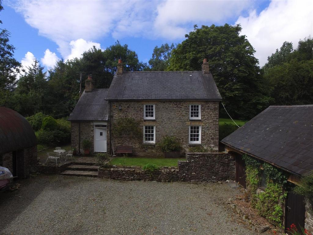 3 Bedrooms Detached House for sale in Gorsgoch, Llanybydder