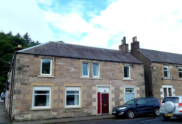 2 Bedrooms Flat for sale in 52 King Street, Galashiels, TD1 1PX