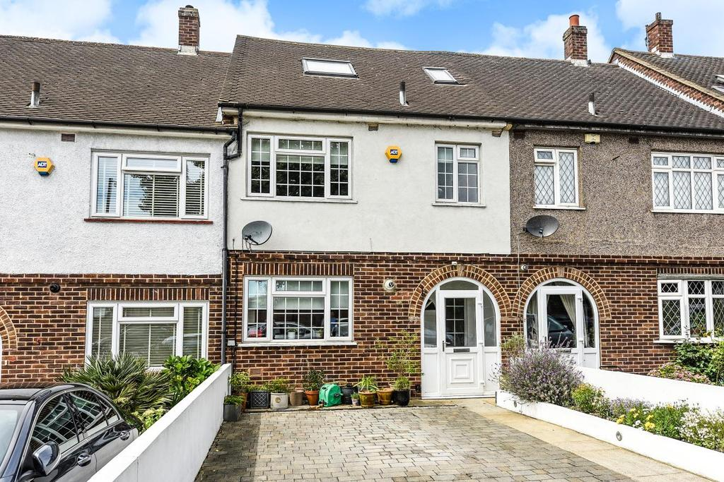 4 Bedrooms Detached House for sale in Kent House Lane, Beckenham
