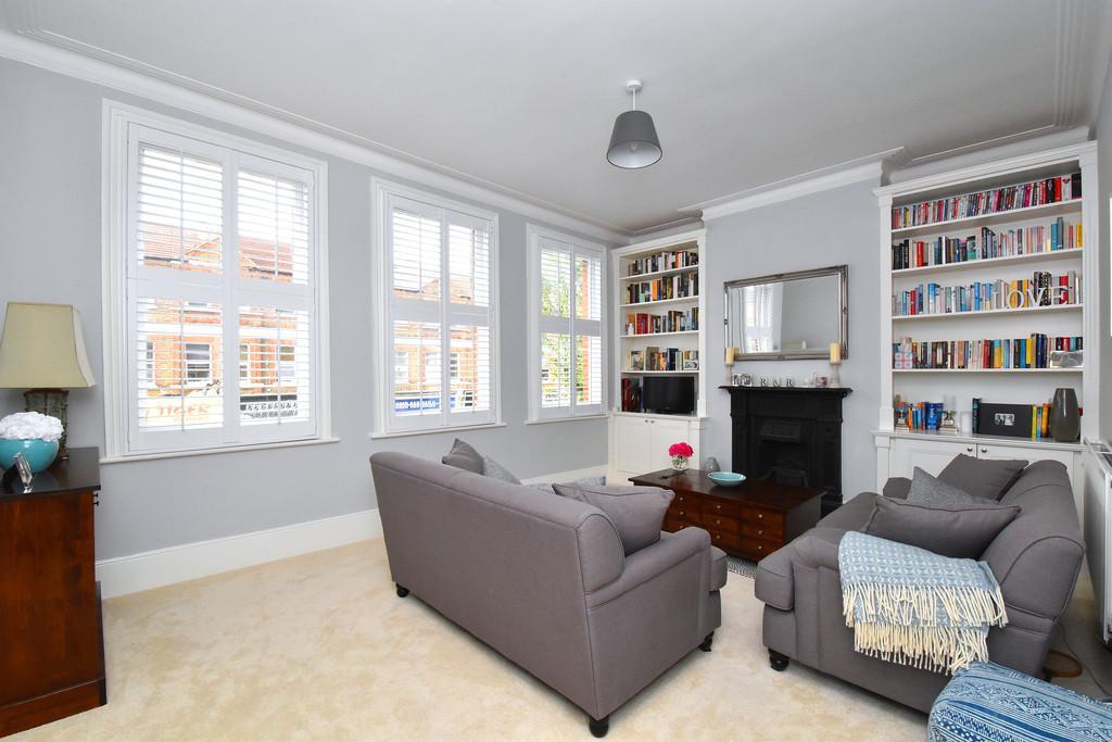 3 Bedrooms Flat for sale in Honor Oak Park SE23
