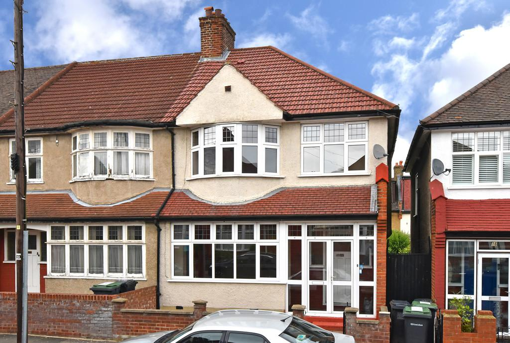3 Bedrooms Semi Detached House for sale in Tatnell Road SE23