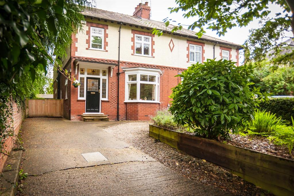 5 Bedrooms Semi Detached House for sale in Croft Road, Darlington