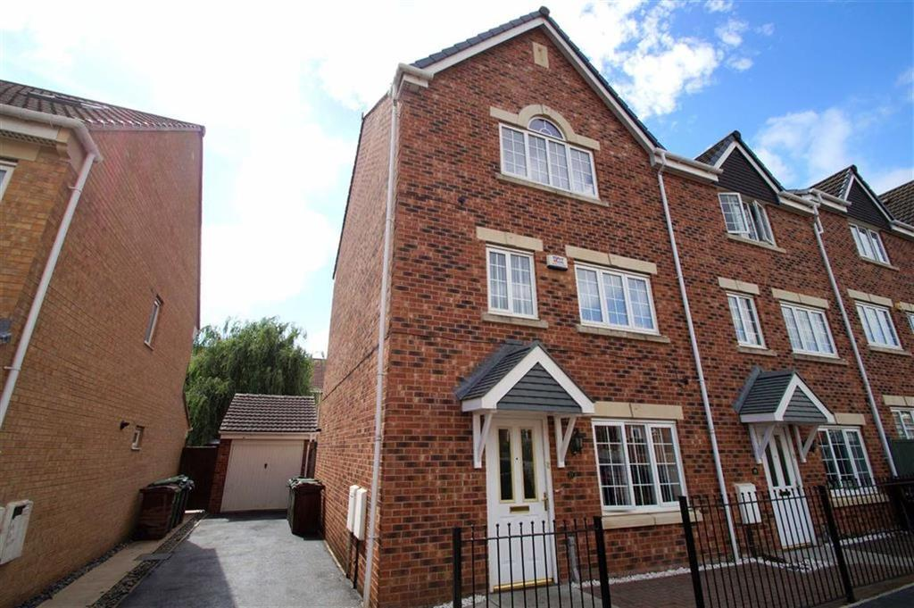 4 Bedrooms Town House for sale in Lilac Court, Leeds