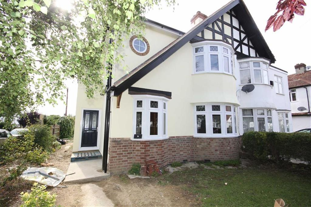 4 Bedrooms Semi Detached House for sale in The Fairway, Bickley