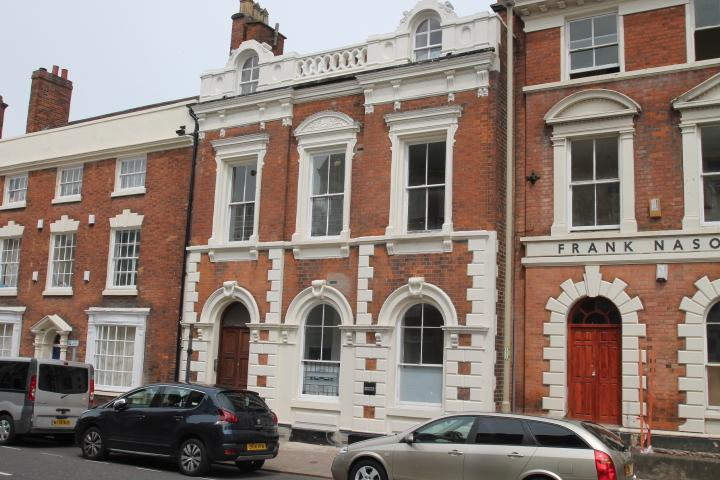 6 Bedrooms Apartment Flat for sale in Wolverhampton Street, Dudley, DY1