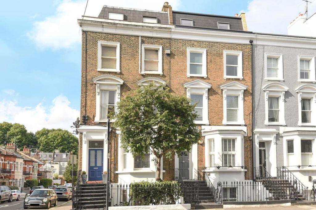 2 Bedrooms Flat for sale in Harwood Road, Fulham