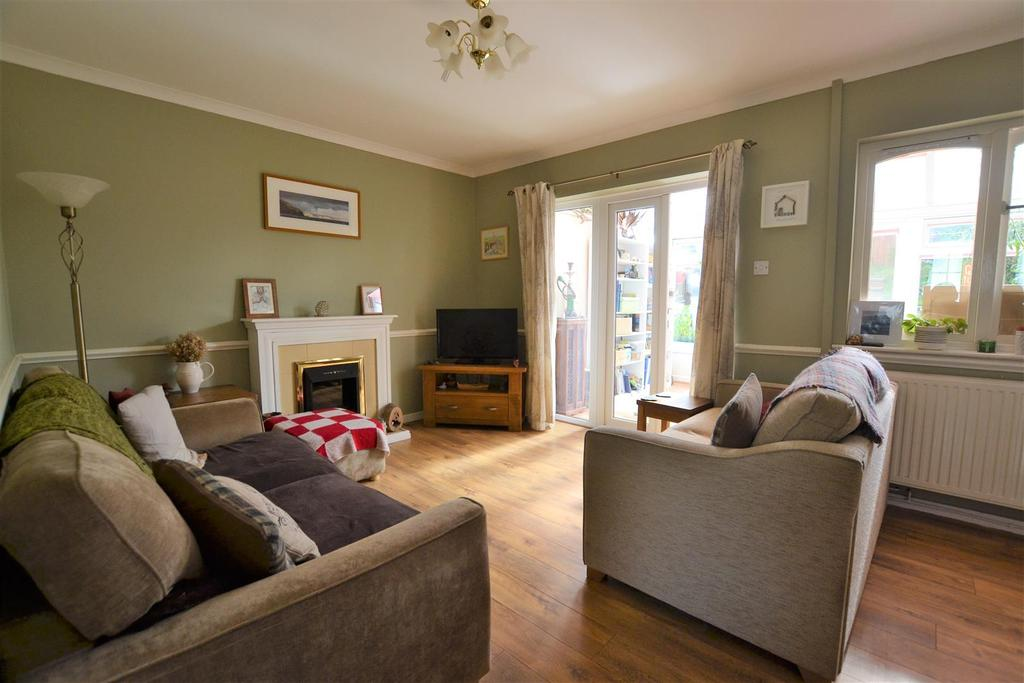 2 Bedrooms Terraced House for sale in Kilgetty