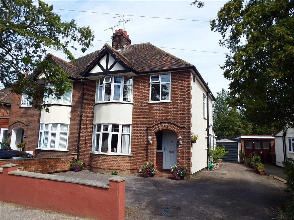 3 Bedrooms Semi Detached House for sale in Fairview Road, Stevenage, Hertfordshire, SG1