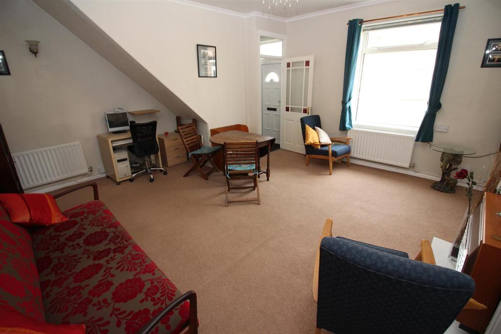 2 Bedrooms Terraced House for sale in Edwin Street, Brunswick Village, Newcastle Upon Tyne