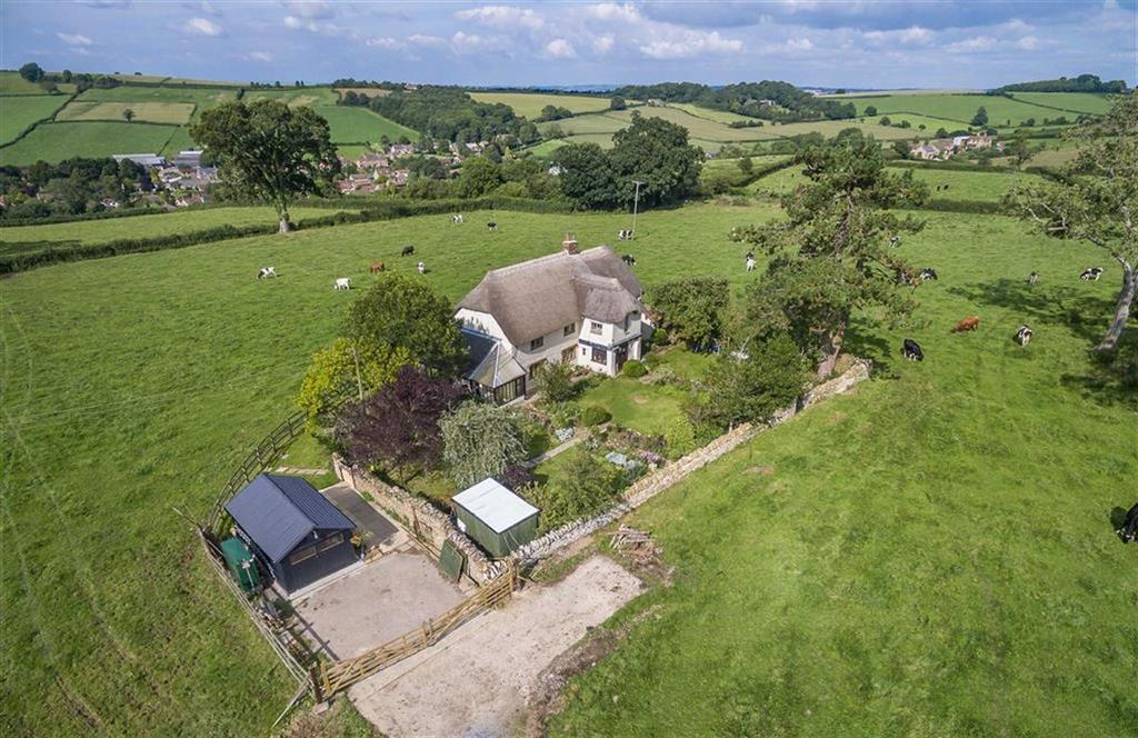 4 Bedrooms Detached House for sale in Penn Lane, Hardington Mandeville, Yeovil, Somerset, BA22