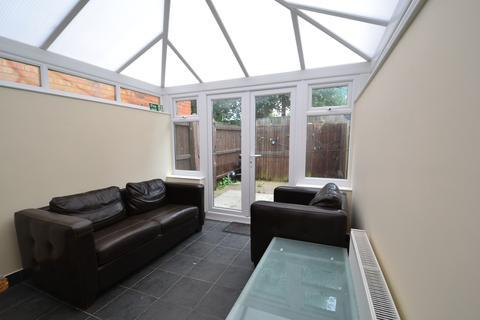 4 bedroom terraced house to rent - 4 Bedroom Student House in Selly Oak, 1 min walk to University of Birmingham , 2017 - 2018