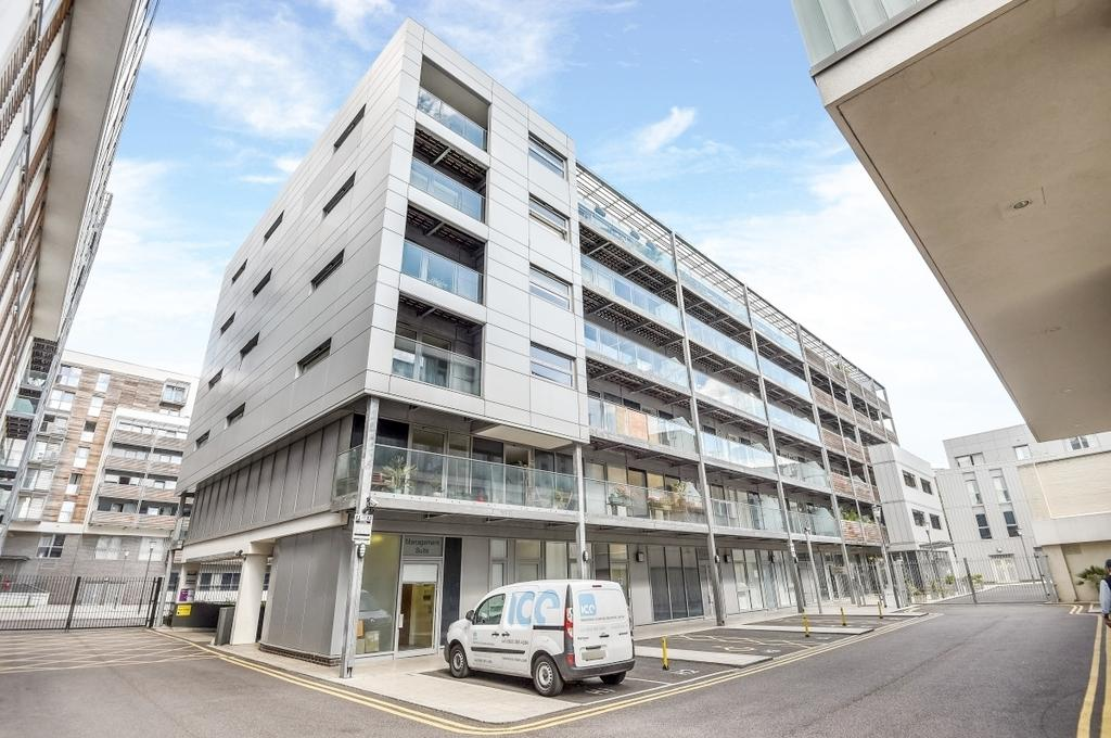 2 Bedrooms Flat for sale in Merryweather Place London SE10