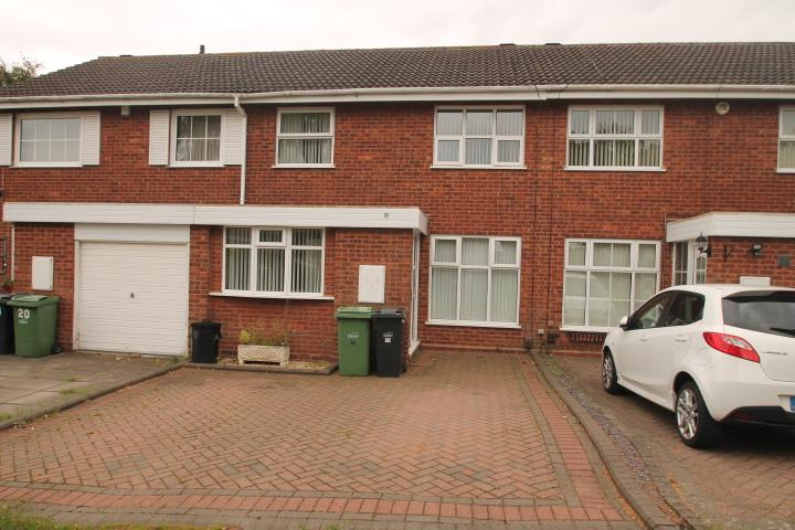 3 Bedrooms Terraced House for sale in Chiltern Close, Halesowen, B63
