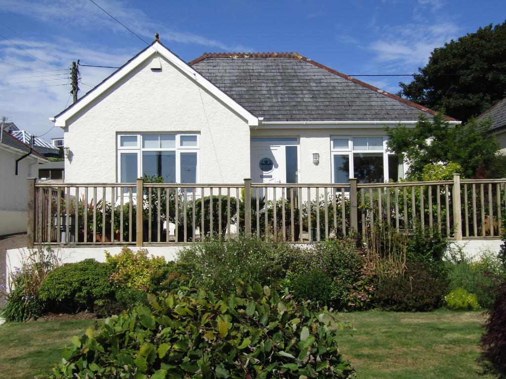 3 Bedrooms Detached Bungalow for sale in Detached 3 Bed Bungalow with gardens and parking, Truro TR1