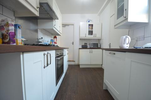 5 bedroom terraced house to rent - 5 Double Bedroom House, 2 Bathrooms, Manilla Road, Selly Oak, Academic Year 2017 - 2018
