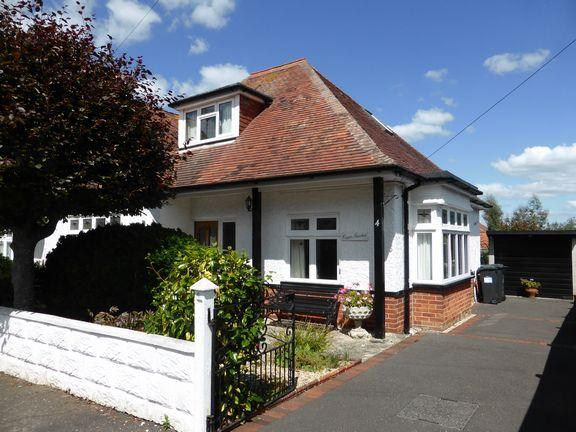 3 Bedrooms Chalet House for sale in Southbourne, Bournemouth