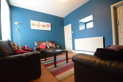 6 bedroom terraced house to rent - Stunning 6 Double Bedroom, 2 Bathrooms Student House, Katie Road, Selly Oak, 2017 - 2018
