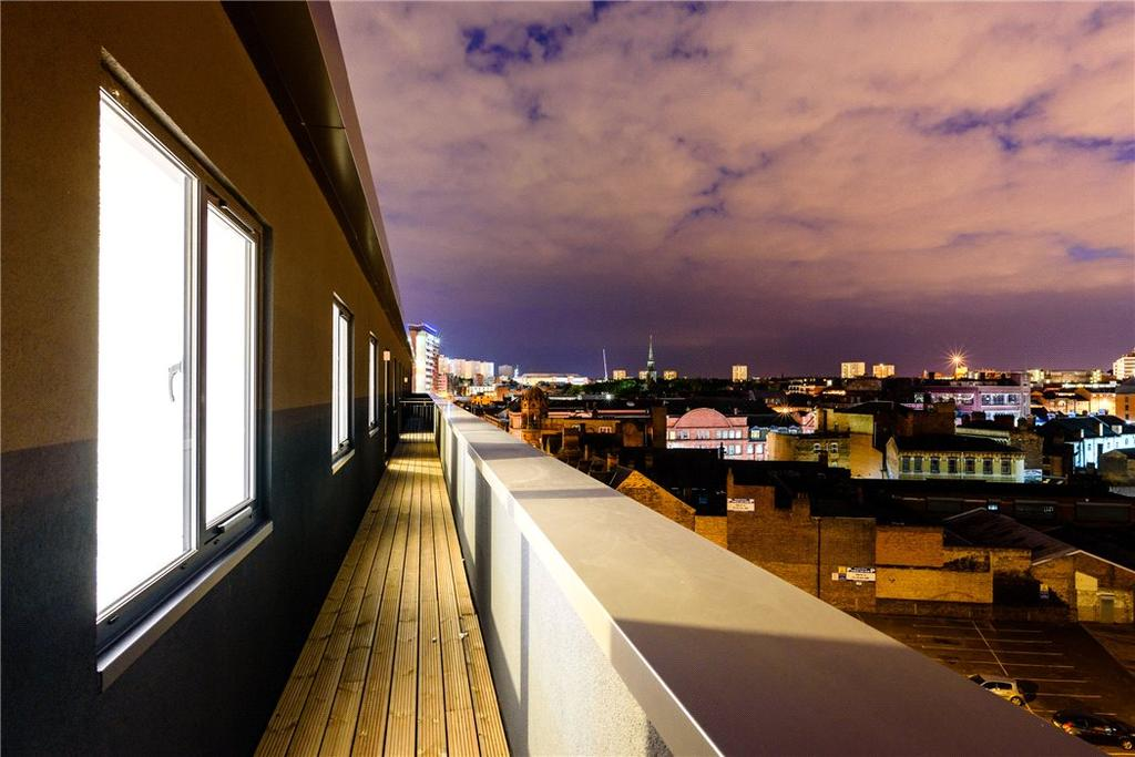 2 Bedrooms Flat for sale in Honduras Wharf, Summer Lane, Birmingham, West Midlands, B19