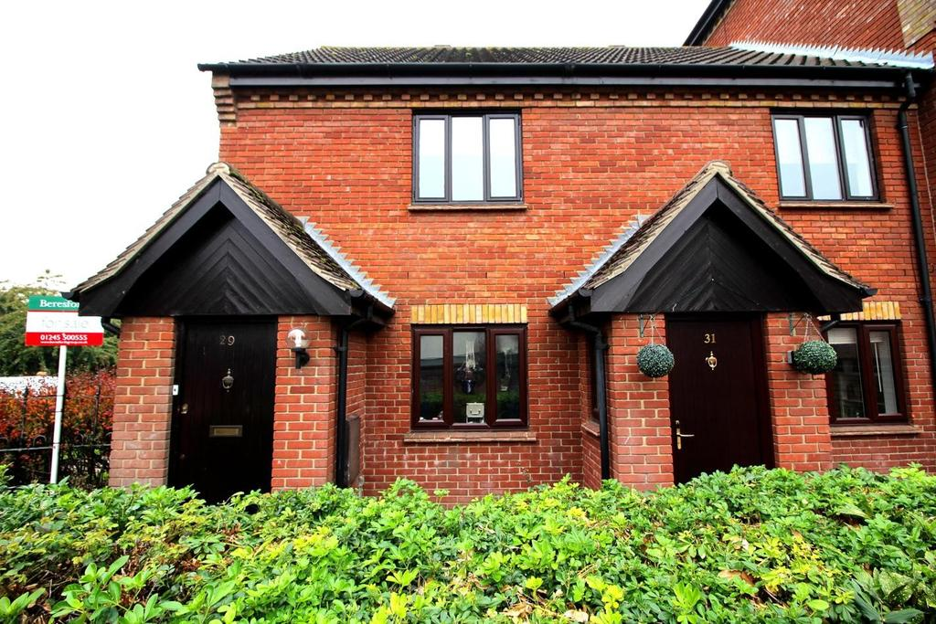 2 Bedrooms Maisonette Flat for sale in Fawkner Close, Chelmsford, Essex, CM2