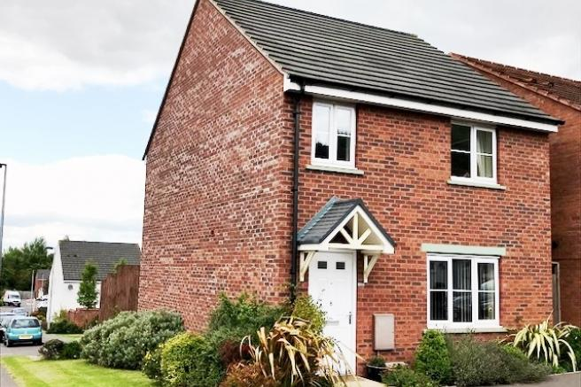 4 Bedrooms Detached House for sale in 8 Cloisters Way, St Georges, Telford, Shropshire, TF2 9FY