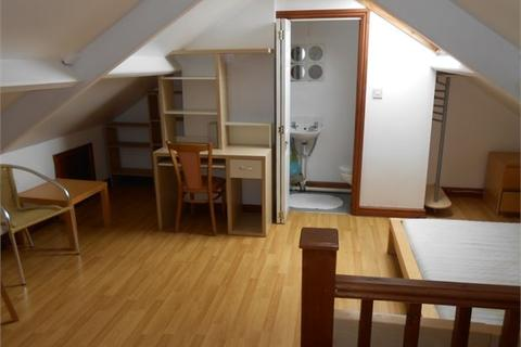 8 bedroom house share to rent - Gore Terrace, Swansea, SA1 5DN