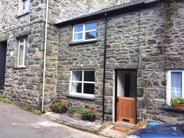 2 Bedrooms Cottage House for sale in Pentre Efail, Harlech, LL46