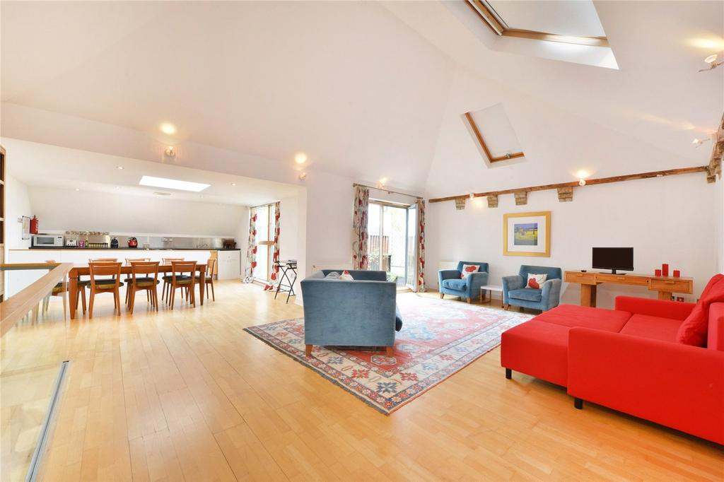 2 Bedrooms Mews House for sale in Allingham Mews, Islington, London