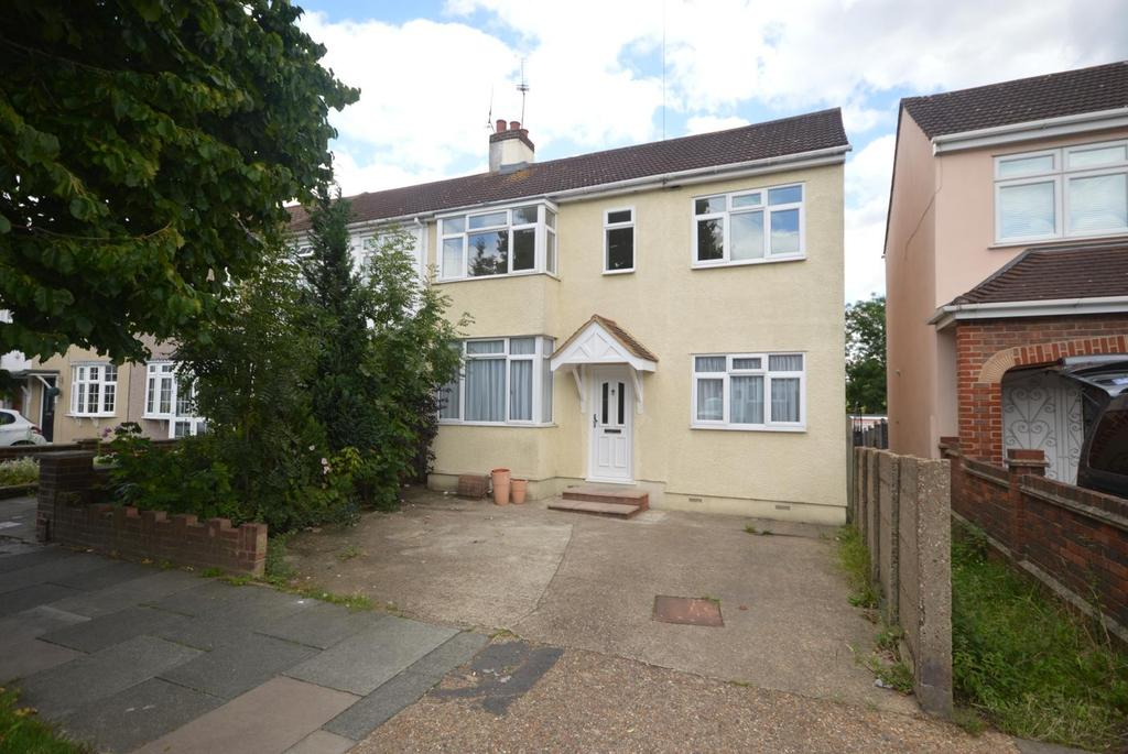 4 Bedrooms End Of Terrace House for sale in Northumberland Avenue, Hornchurch, Essex, RM11