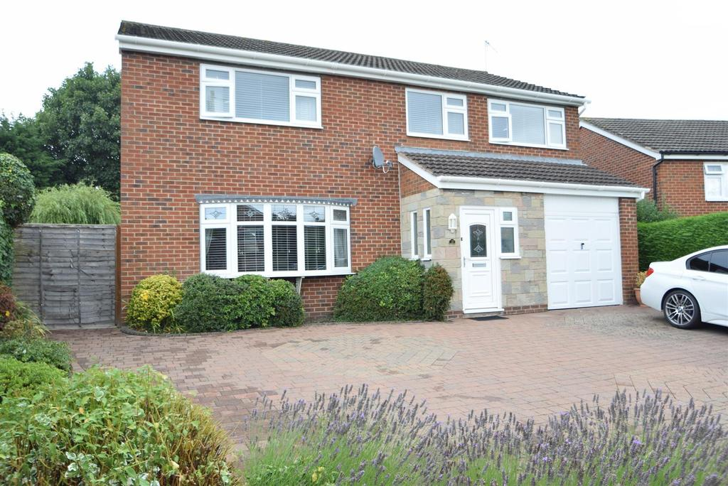 4 Bedrooms Detached House for sale in 13 Poplar Crescent, Bayston Hill, Shrewsbury, SY3 0QB