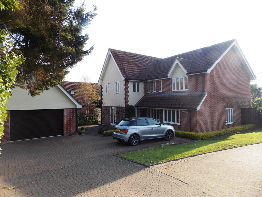 4 Bedrooms Detached House for sale in Main Road, Martlesham, Woodbrige IP12
