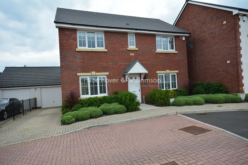 4 Bedrooms Detached House for sale in Acorn Place, Castleton, Marshfield, Cardiff. CF3