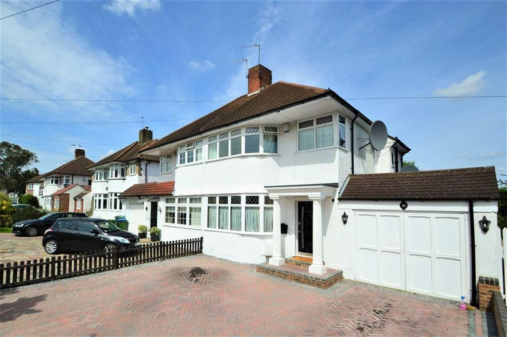 3 Bedrooms Semi Detached House for sale in Molescroft, New Eltham, London