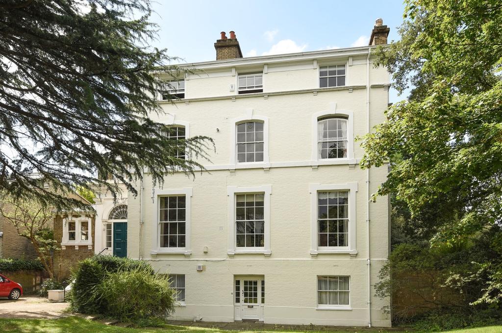 2 Bedrooms Flat for sale in Morden Road London SE3